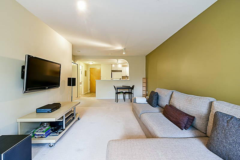 "Photo 11: 307 6833 VILLAGE GREEN in Burnaby: Highgate Condo for sale in ""CARMEL"" (Burnaby South)  : MLS(r) # R2146245"