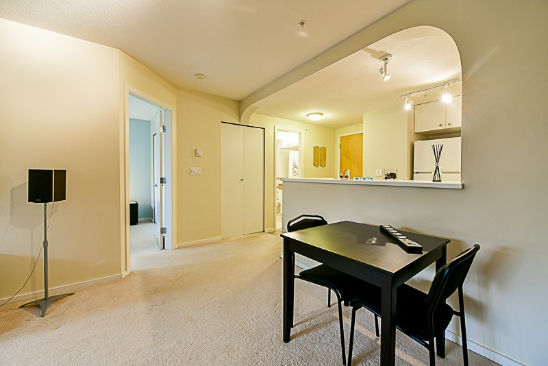"Photo 7: 307 6833 VILLAGE GREEN in Burnaby: Highgate Condo for sale in ""CARMEL"" (Burnaby South)  : MLS(r) # R2146245"