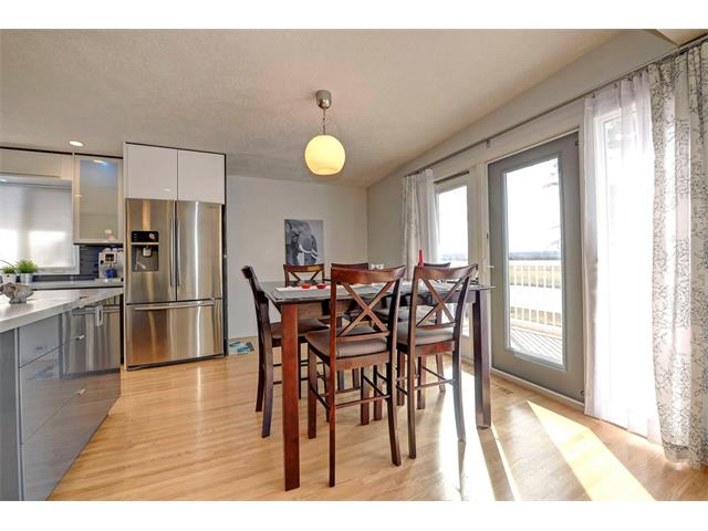 Photo 9: 5312 37 Street SW in Calgary: Lakeview House for sale : MLS® # C4107241