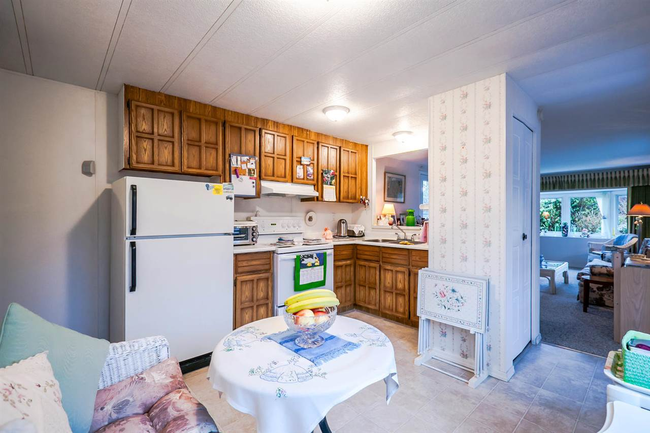 "Photo 9: 2176 CUMBRIA Drive in Surrey: King George Corridor Manufactured Home for sale in ""Cranley Place"" (South Surrey White Rock)  : MLS® # R2150263"