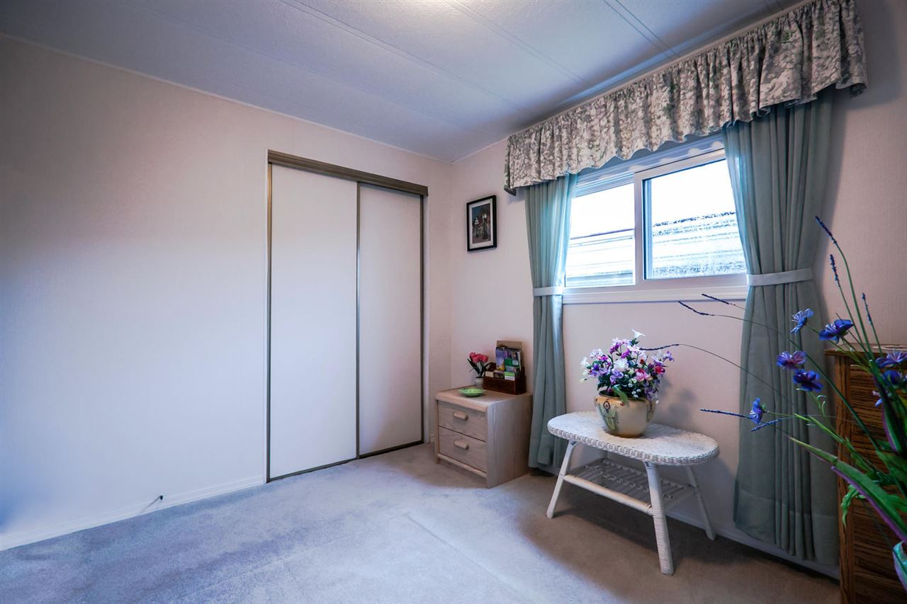 "Photo 16: 2176 CUMBRIA Drive in Surrey: King George Corridor Manufactured Home for sale in ""Cranley Place"" (South Surrey White Rock)  : MLS® # R2150263"