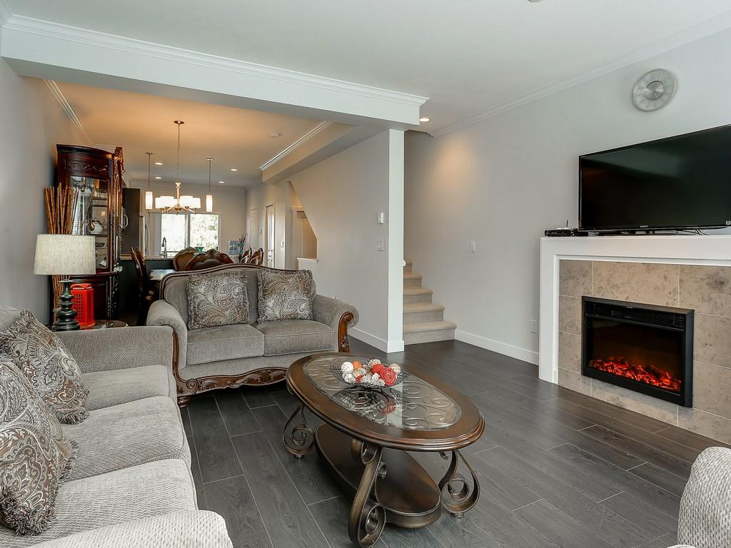 Photo 4: 61 5888 144 Street in Surrey: Sullivan Station Townhouse for sale : MLS® # R2167122