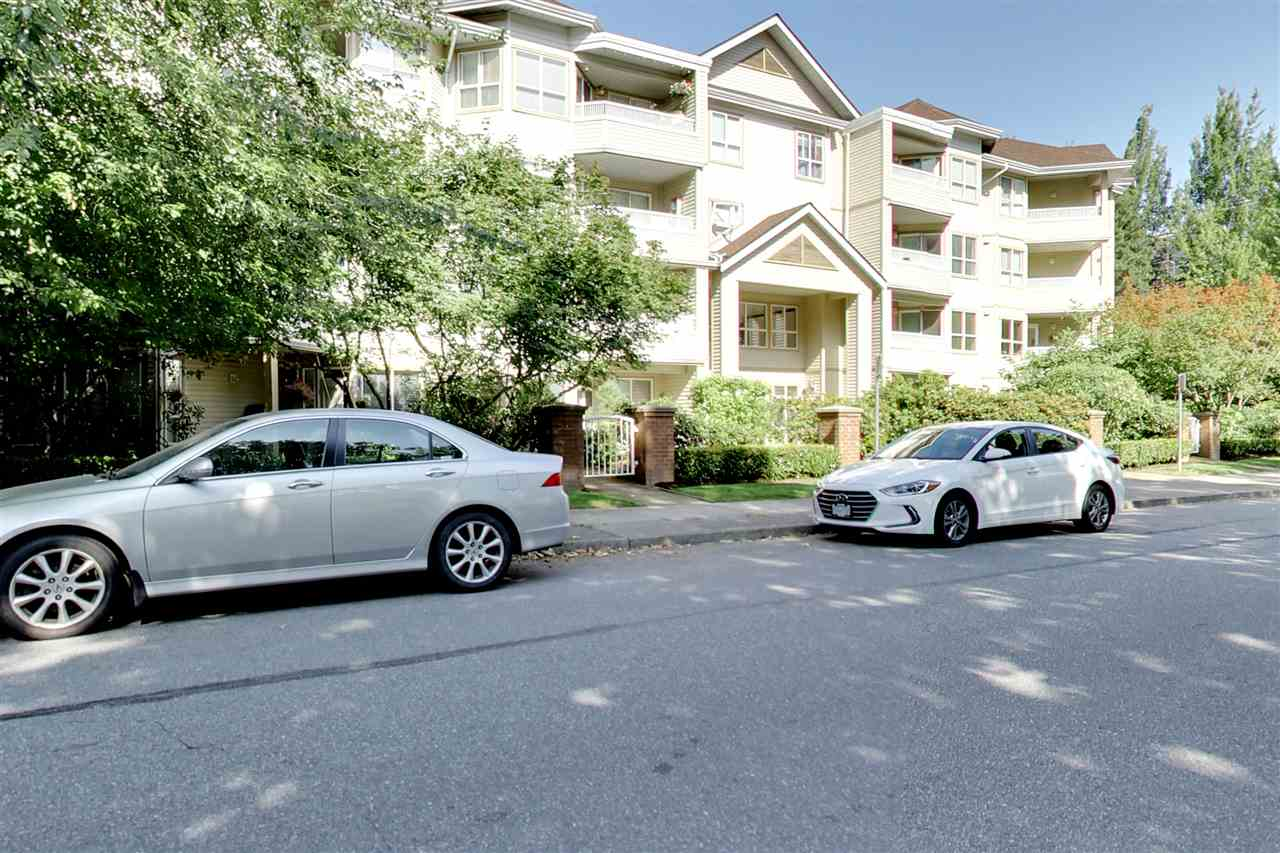 Main Photo: 217 8139 121A Street in Surrey: Queen Mary Park Surrey Condo for sale : MLS® # R2188725