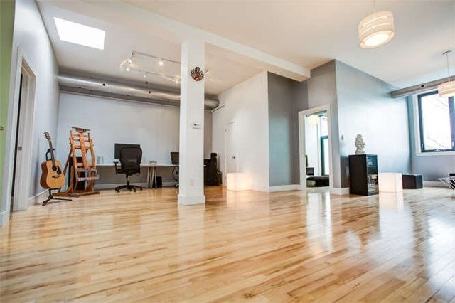 Main Photo: 207 99 Chandos Avenue in Toronto: Dovercourt-Wallace Emerson-Junction Condo for lease (Toronto W02)  : MLS® # W3896523