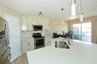 Main Photo: 4709 CRABAPPLE Run in Edmonton: Zone 53 House Half Duplex for sale : MLS® # E4078028