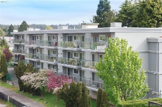 Main Photo: 403 2022 Foul Bay Road in VICTORIA: Vi Jubilee Condo Apartment for sale (Victoria)  : MLS®# 382451