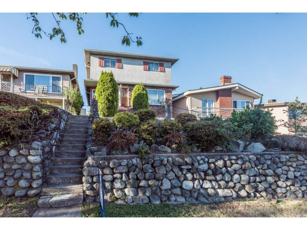 Main Photo: 2985 E 7TH Avenue in Vancouver: Renfrew VE House for sale (Vancouver East)  : MLS® # R2204610