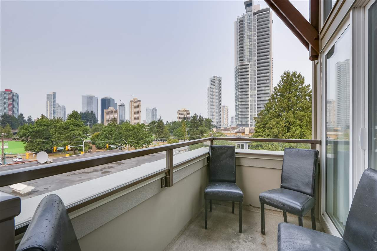 "Photo 12: 405 6875 DUNBLANE Avenue in Burnaby: Metrotown Condo for sale in ""Subora Living"" (Burnaby South)  : MLS® # R2205359"