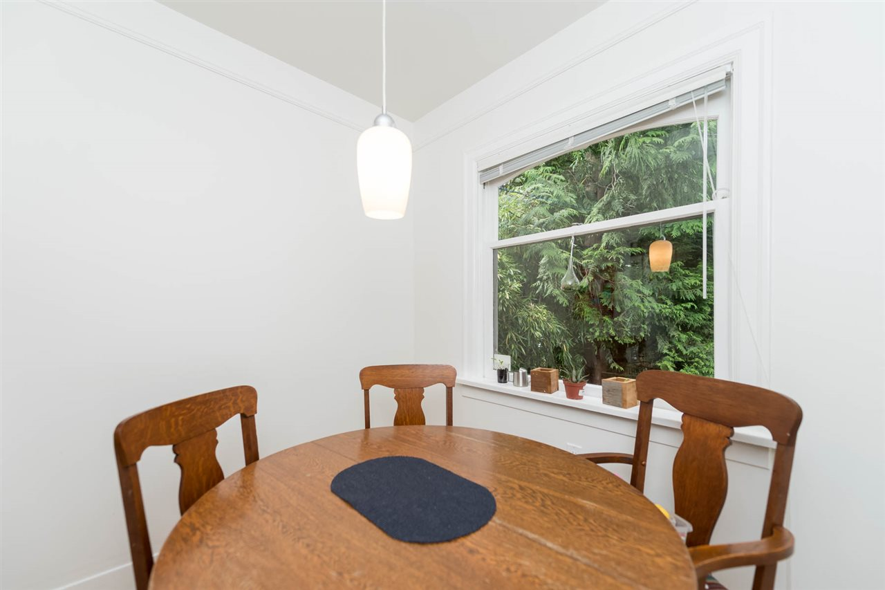Photo 8: Photos: 1969 E 8TH Avenue in Vancouver: Grandview VE House for sale (Vancouver East)  : MLS® # R2210082