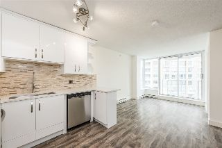 "Main Photo: 1603 550 TAYLOR Street in Vancouver: Downtown VW Condo for sale in ""The Taylor"" (Vancouver West)  : MLS® # R2215059"