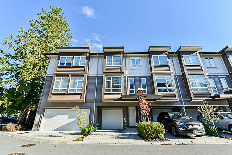 "Main Photo: 26 5888 144 Street in Surrey: Sullivan Station Townhouse for sale in ""ONE44"" : MLS® # R2219133"