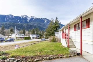Main Photo: 1204 PARKWOOD Place in Squamish: Brackendale House for sale : MLS® # R2240418