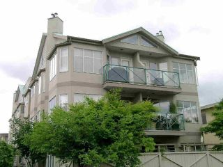 "Main Photo: 204 131 W 20TH Street in North Vancouver: Central Lonsdale Condo for sale in ""Vista West"" : MLS®# R2270171"