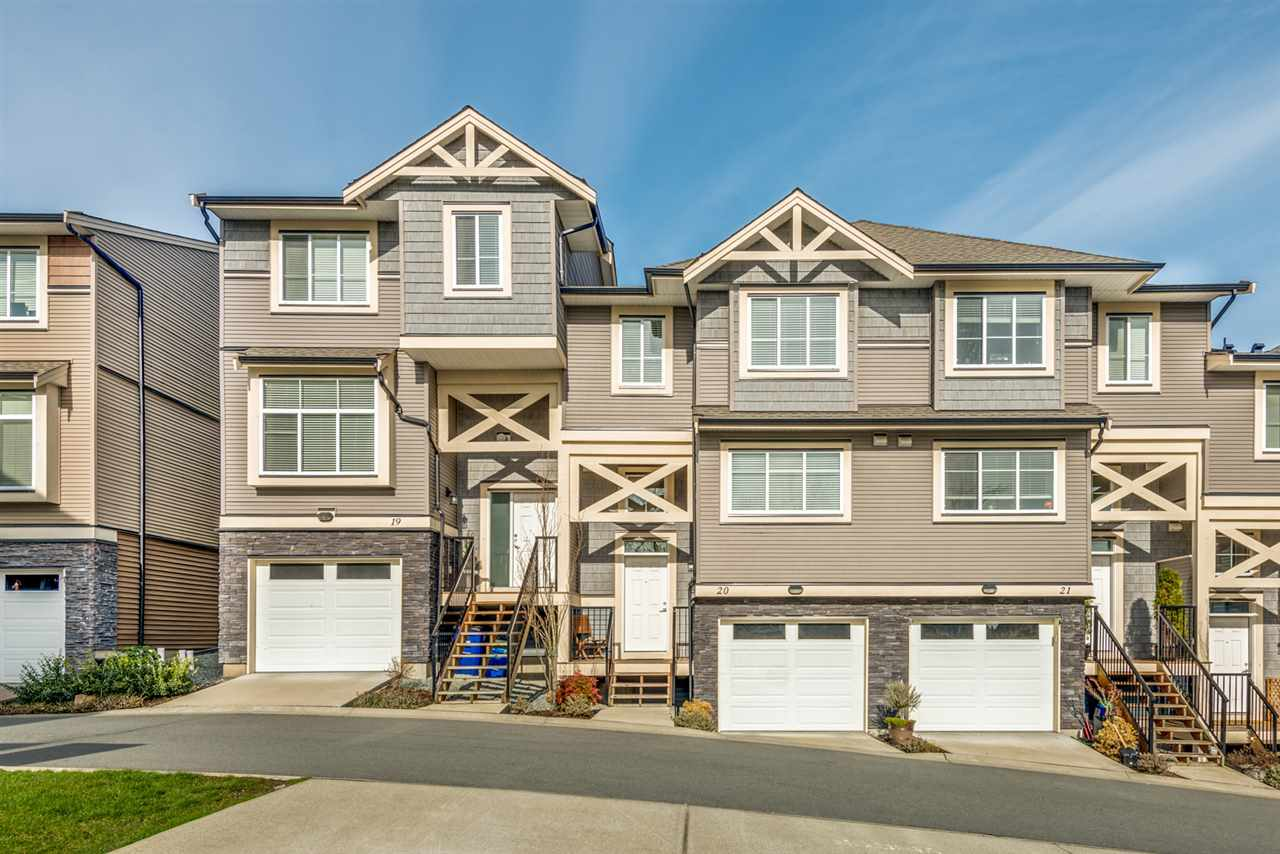 FEATURED LISTING: 20 11252 COTTONWOOD Drive Maple Ridge