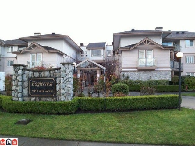 "Main Photo: 122 22150 48TH Avenue in Langley: Murrayville Condo for sale in ""EAGLECREST"" : MLS®# F1126874"
