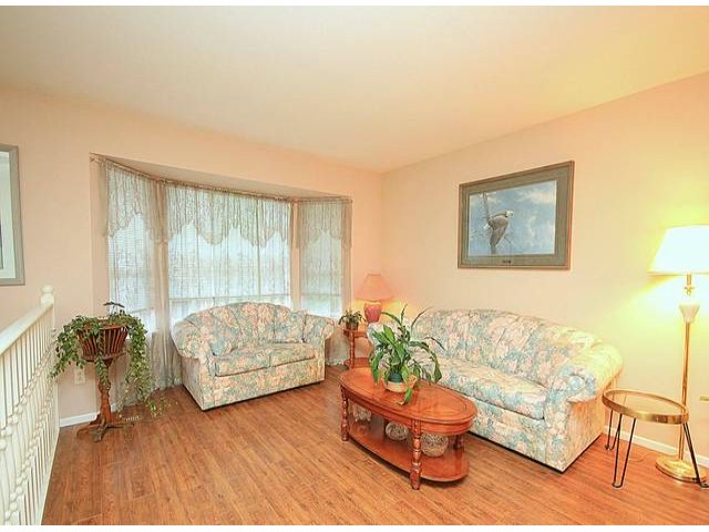 Photo 2: 11845 97A AV in Surrey: Royal Heights House for sale (North Surrey)  : MLS® # F1313082