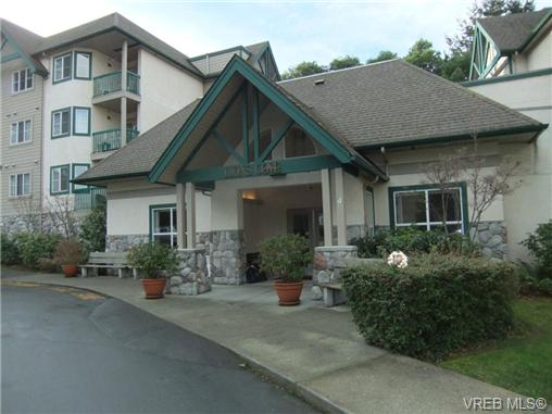 Main Photo: 205 290 Island Highway in VICTORIA: VR View Royal Condo Apartment for sale (View Royal)  : MLS®# 330949