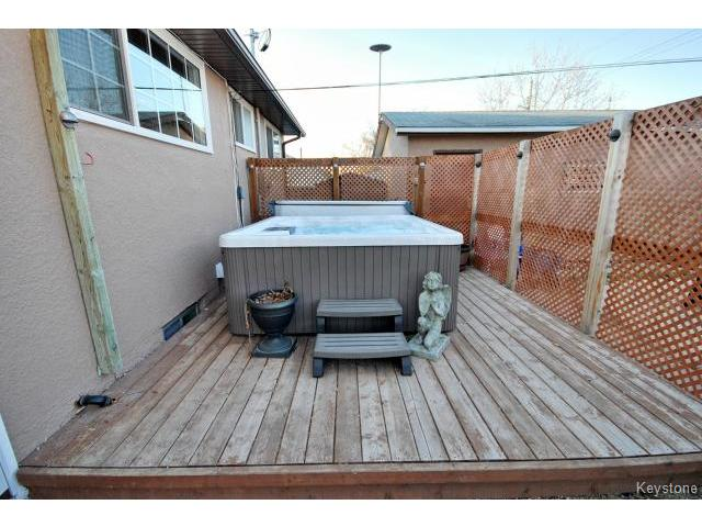 Photo 19: 146 Danbury Bay in WINNIPEG: Westwood / Crestview Residential for sale (West Winnipeg)  : MLS(r) # 1410862