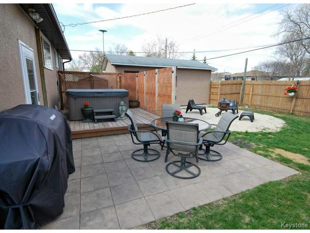 Photo 17: 146 Danbury Bay in WINNIPEG: Westwood / Crestview Residential for sale (West Winnipeg)  : MLS(r) # 1410862