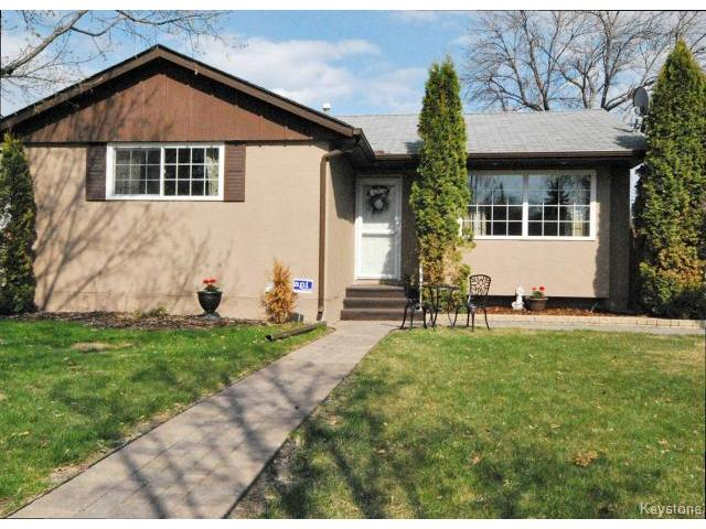 Main Photo: 146 Danbury Bay in WINNIPEG: Westwood / Crestview Residential for sale (West Winnipeg)  : MLS®# 1410862