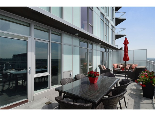 "Photo 3: 4001 1372 SEYMOUR Street in Vancouver: Downtown VW Condo for sale in ""THE MARK"" (Vancouver West)  : MLS® # V1071762"