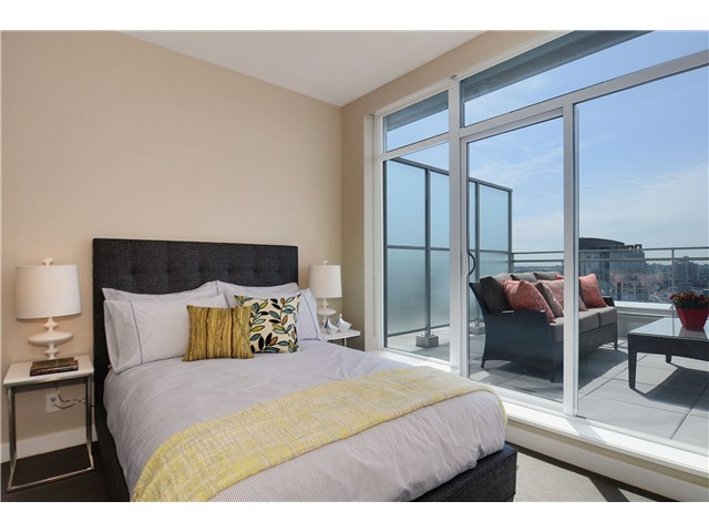 "Photo 17: 4001 1372 SEYMOUR Street in Vancouver: Downtown VW Condo for sale in ""THE MARK"" (Vancouver West)  : MLS® # V1071762"