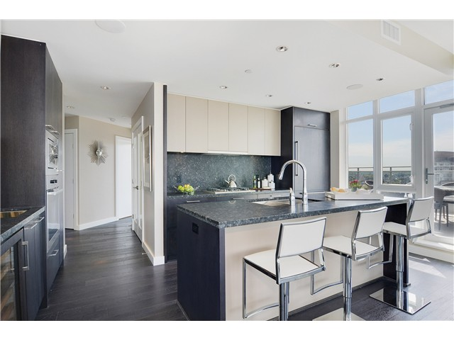 "Photo 10: 4001 1372 SEYMOUR Street in Vancouver: Downtown VW Condo for sale in ""THE MARK"" (Vancouver West)  : MLS® # V1071762"