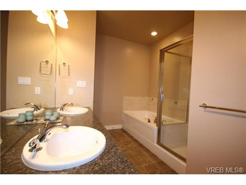 Photo 11: 404C 1115 Craigflower Road in VICTORIA: Es Gorge Vale Condo Apartment for sale (Esquimalt)  : MLS(r) # 350031