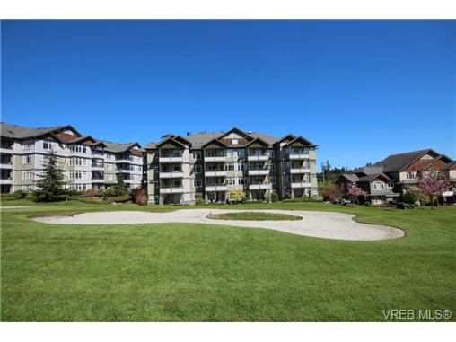 Photo 17: 404C 1115 Craigflower Road in VICTORIA: Es Gorge Vale Condo Apartment for sale (Esquimalt)  : MLS(r) # 350031