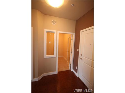 Photo 8: 404C 1115 Craigflower Road in VICTORIA: Es Gorge Vale Condo Apartment for sale (Esquimalt)  : MLS(r) # 350031
