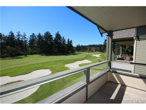 Photo 3: 404C 1115 Craigflower Road in VICTORIA: Es Gorge Vale Condo Apartment for sale (Esquimalt)  : MLS(r) # 350031
