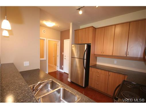 Photo 7: 404C 1115 Craigflower Road in VICTORIA: Es Gorge Vale Condo Apartment for sale (Esquimalt)  : MLS(r) # 350031