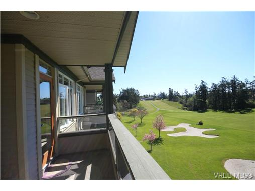 Photo 16: 404C 1115 Craigflower Road in VICTORIA: Es Gorge Vale Condo Apartment for sale (Esquimalt)  : MLS(r) # 350031