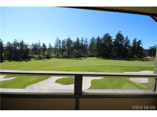 Photo 4: 404C 1115 Craigflower Road in VICTORIA: Es Gorge Vale Condo Apartment for sale (Esquimalt)  : MLS(r) # 350031