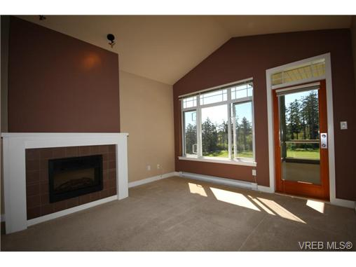 Photo 6: 404C 1115 Craigflower Road in VICTORIA: Es Gorge Vale Condo Apartment for sale (Esquimalt)  : MLS(r) # 350031