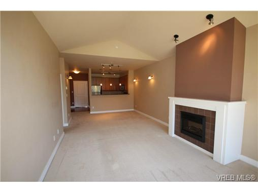 Photo 13: 404C 1115 Craigflower Road in VICTORIA: Es Gorge Vale Condo Apartment for sale (Esquimalt)  : MLS(r) # 350031