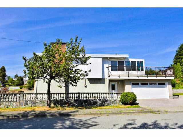 Main Photo: 2636 ELLERSLIE Avenue in Burnaby: Montecito House for sale (Burnaby North)  : MLS® # R2016378