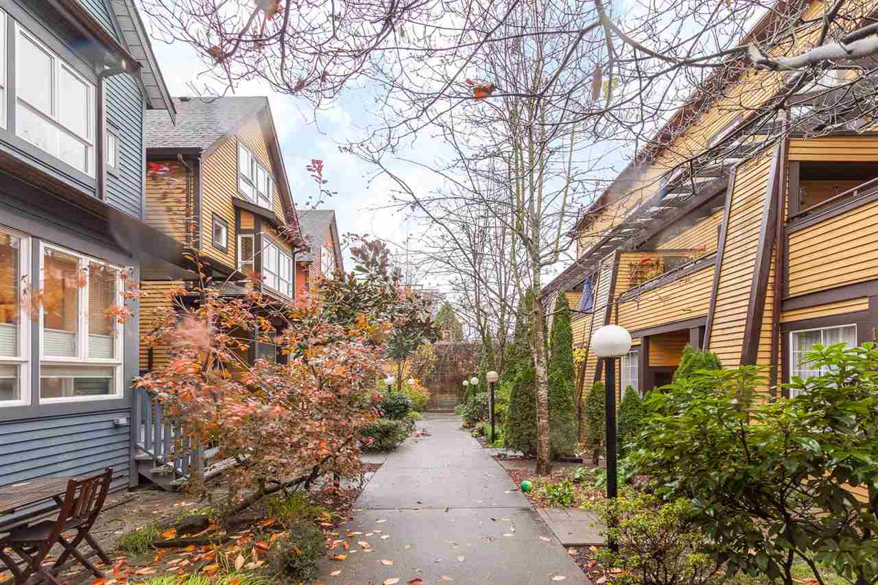 "Photo 19: 1071 E PENDER Street in Vancouver: Mount Pleasant VE Townhouse for sale in ""PENDER COURT"" (Vancouver East)  : MLS(r) # R2016844"