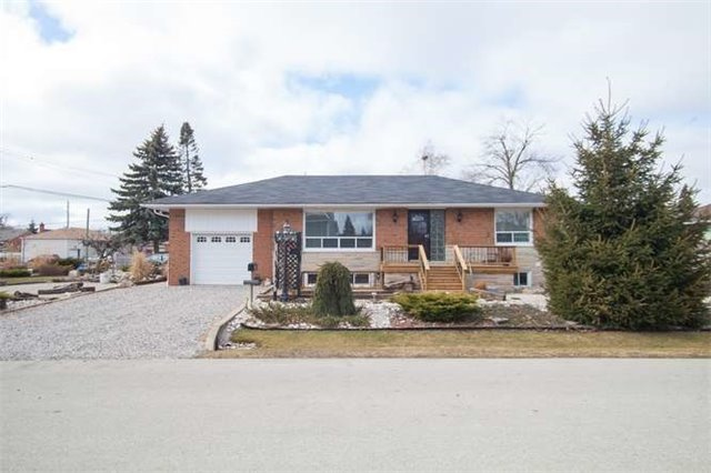 Main Photo: 318 Weighton Drive in Oakville: Bronte East House (Bungalow) for lease : MLS(r) # W3419535