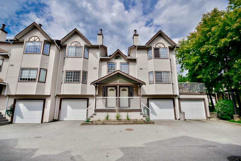 "Main Photo: 20 2352 PITT RIVER Road in Port Coquitlam: Mary Hill Townhouse for sale in ""SHAUGHNESSY ESTATES"" : MLS® # R2064551"