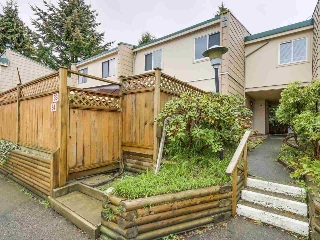 "Main Photo: 34 10565 153 Street in Surrey: Guildford Townhouse for sale in ""GUILDFORD MEWS"" (North Surrey)  : MLS® # R2114947"