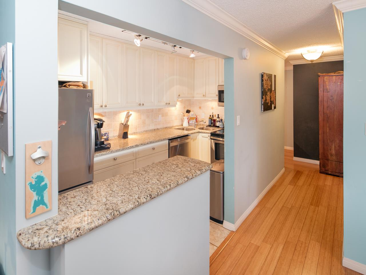 "Photo 3: 404 1234 PENDRELL Street in Vancouver: West End VW Condo for sale in ""The Pendrell"" (Vancouver West)  : MLS(r) # R2126547"