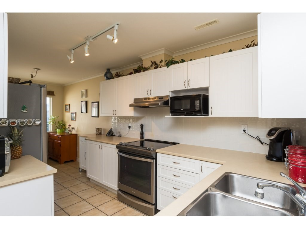 "Photo 4: 26 17516 4TH Avenue in Surrey: Pacific Douglas Townhouse for sale in ""Douglas Point"" (South Surrey White Rock)  : MLS(r) # R2129004"