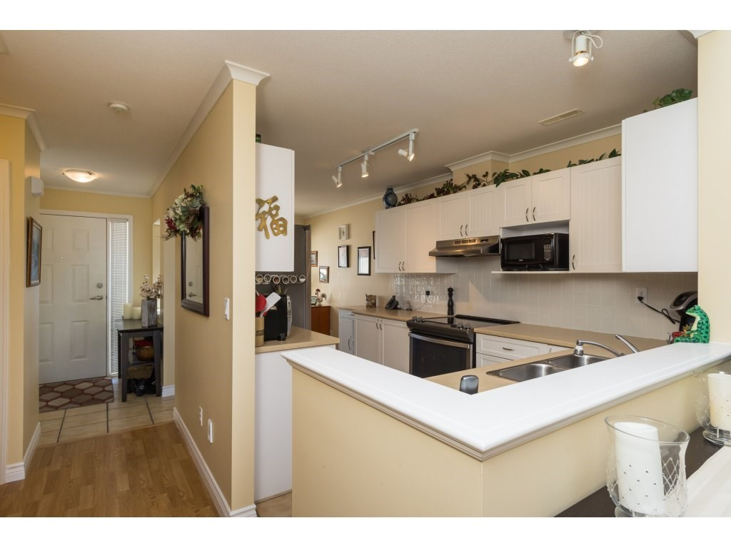 "Photo 3: 26 17516 4TH Avenue in Surrey: Pacific Douglas Townhouse for sale in ""Douglas Point"" (South Surrey White Rock)  : MLS(r) # R2129004"