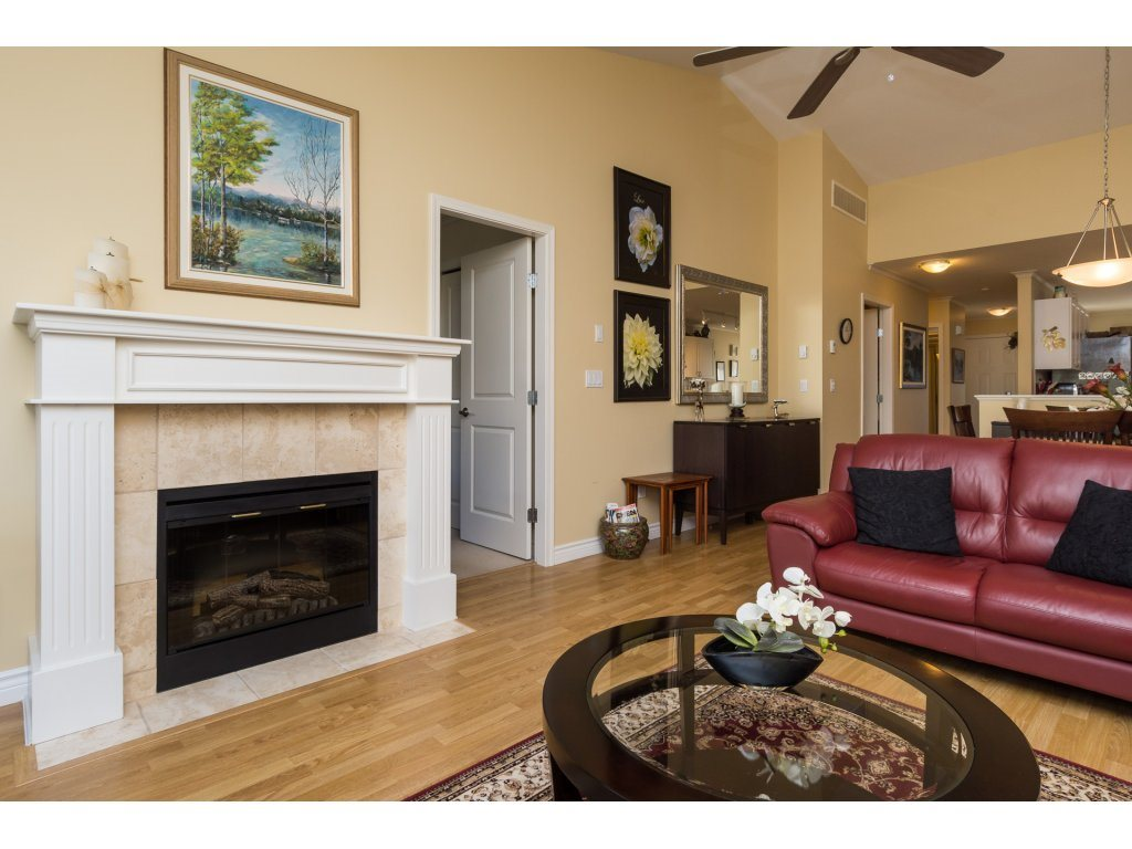 "Photo 10: 26 17516 4TH Avenue in Surrey: Pacific Douglas Townhouse for sale in ""Douglas Point"" (South Surrey White Rock)  : MLS(r) # R2129004"