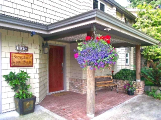 Main Photo: 995 GRANDVIEW Road in Gibsons: Gibsons & Area House for sale (Sunshine Coast)  : MLS® # R2136774
