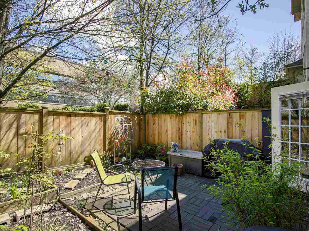 314 SqFt Fenced Yard