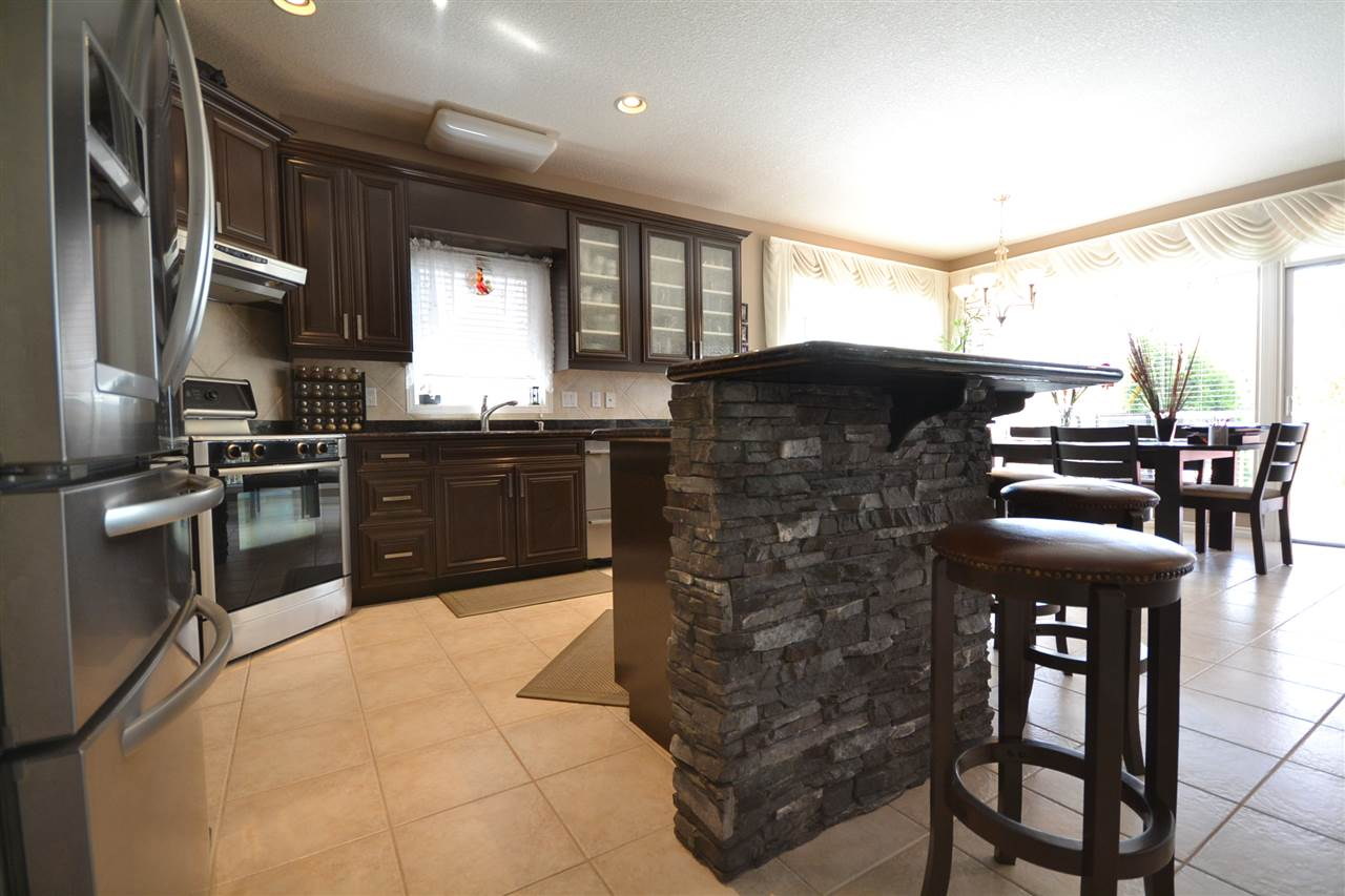 Granite counter tops, lots of preparation space to entertain many family members and friends, stainless appliances, recessed lights.