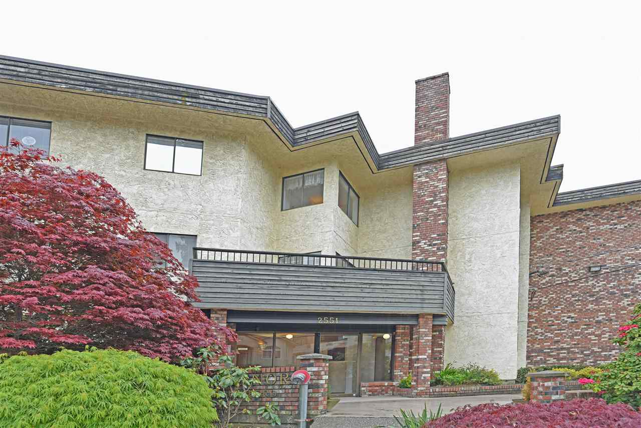 Photo 2: 319 2551 WILLOW Lane in Abbotsford: Central Abbotsford Condo for sale : MLS(r) # R2180057