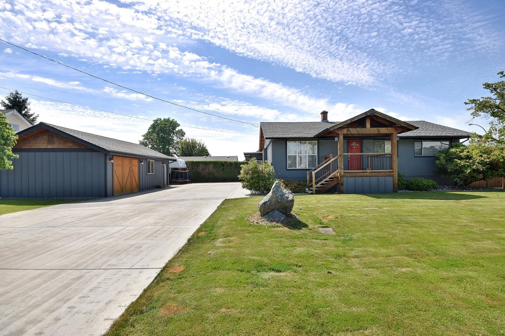 Main Photo: 7563 MELVILLE Street in Chilliwack: Sardis East Vedder Rd House for sale (Sardis)  : MLS® # R2185386